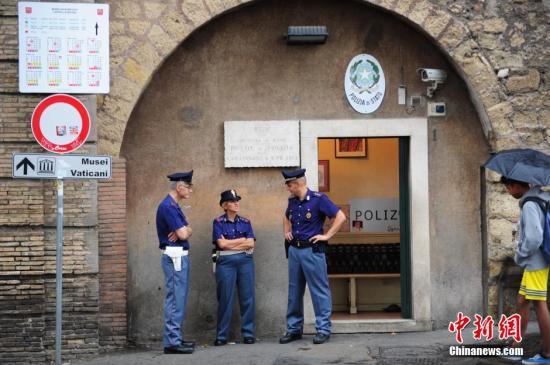 意大利罗马警察。  <a target='_blank' href='http://www.chinanews.com/'>中新社</a>发 陈文 摄