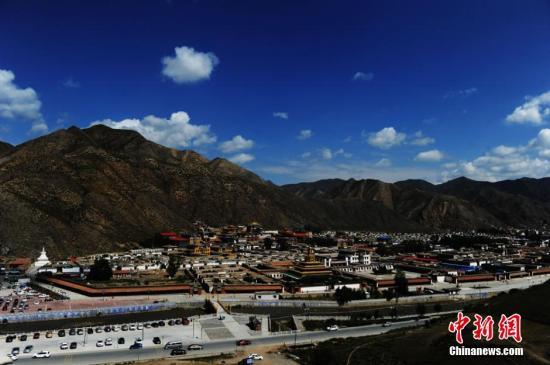 """""""世界藏学府""""拉卜楞寺完成14个佛殿文物本体修缮"""