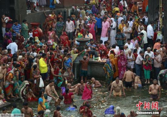 大壶节从7月中旬开始,一直持续到9月底结束,在长达两个月的时间里,预计共将迎来上百万人参加朝圣活动。