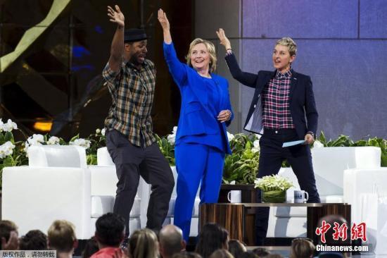 9月8日,美国纽约,美国民主党总统候选人希拉里·克林顿现身艾伦秀,大跳Nae Nae舞。