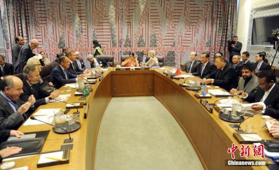 资料图:中国外交部长王毅在纽约联合国总部出席金砖国家外长会。 记者 毛建军 摄