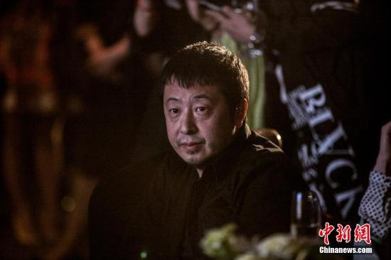 导演贾樟柯亮相《海润之夜》。