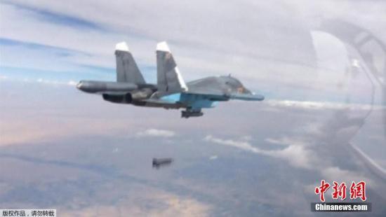 俄罗斯海军战机在执行军演任务时遭北约战机伴飞图片
