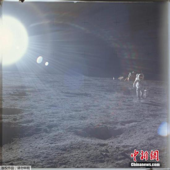 资料图:月球表面。