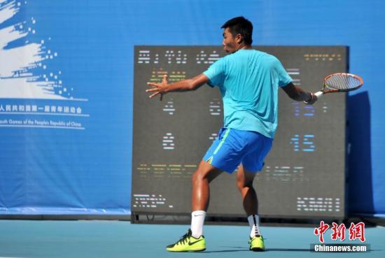 男子网球。吕明 摄