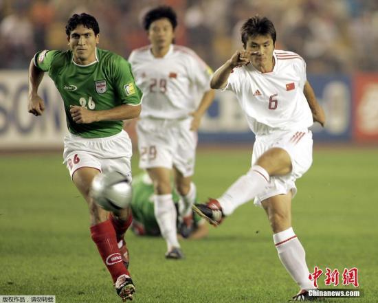 2004年8月3日,中国队在亚洲杯比赛中迎战伊朗,邵佳一怒射为球队首开纪录。最终中国队点球战胜伊朗,在那届亚洲杯中杀入决赛,获得亚军。