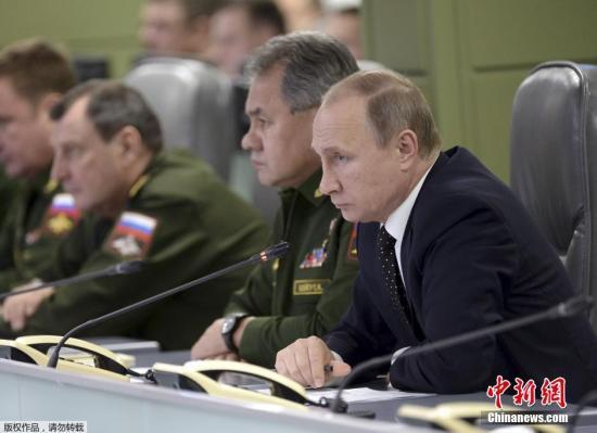 股票配资 时刻2015年11月17日,俄罗斯莫斯科,国防办理中心举行会议,配资公司 俄罗斯在叙利亚的空袭步履,总统普京列席。