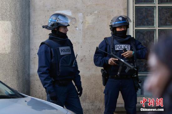 资料图:法国警察。龙剑武 摄