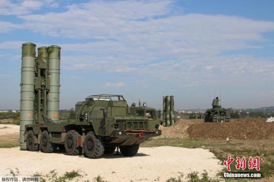 俄罗斯最先进的S-400防空导弹系统。