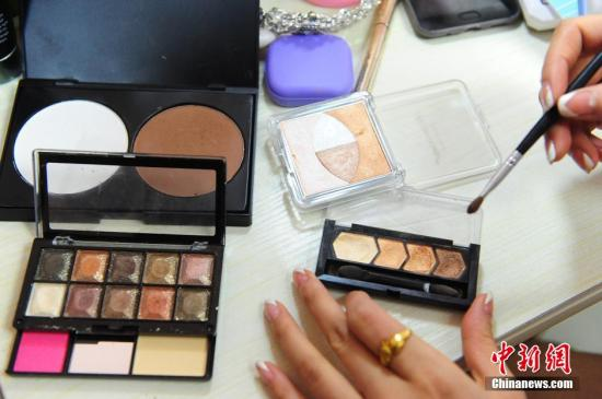 资料图:化妆品。 图片来源:视觉中国