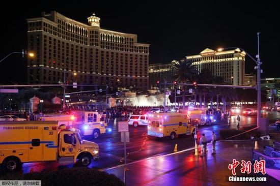 当地时间12月20日,美国赌城拉斯维加斯最热闹地段发生汽车冲上人行道事件,已致1人死亡,37人受伤,至少7人重伤,驾车女子已被逮捕。目前还不明确事件是否与酒驾或毒品有关。