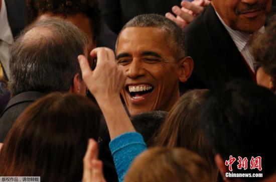 奥巴马国情咨文充满希望 米歇尔以亮色着装呼应