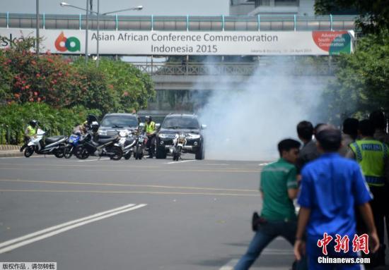 """印尼总统称雅加达爆炸系""""恐怖主义行径""""(图)"""