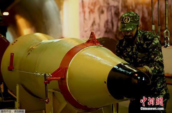 资料图:2016年3月,伊朗革命卫队进行了军事演习,在该国境内试射了弹道导弹。