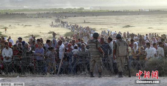资料图:叙利亚持续多年内战的同时,欧洲开始遭受叙难民冲击。