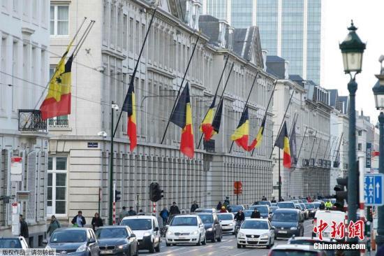 当地时间3月22日,比利时布鲁塞尔遭遇多起自杀式炸弹袭击,爆炸共造成至少34人死亡,130多人受伤。