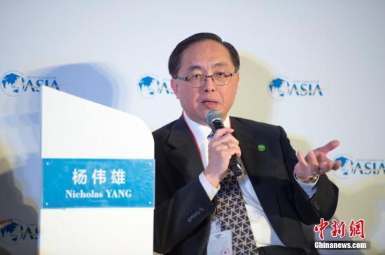 资料图:香港特别行政区创新及科技局局长杨伟雄。/p中新社记者 骆云飞 摄