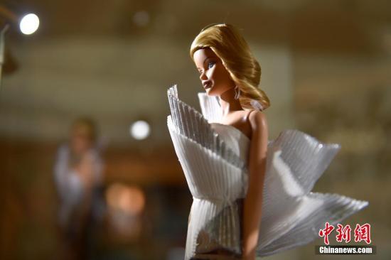 芭比娃娃将迎60岁生日:依然冻龄百变 畅销全球