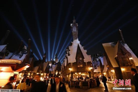 """资料图:""""哈利波特的魔法世界""""入驻环球影城。"""