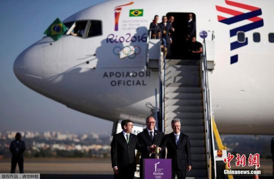 里约奥运会圣火已于本地时刻5月3日运抵巴西都城巴西利亚。领前,圣火传送流动将在巴西境内睁开