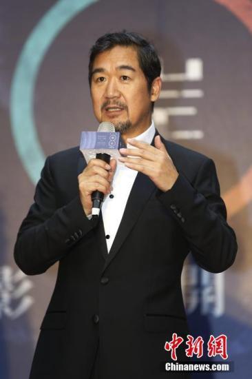 5月12日�,第八届两岸电影展在台北开幕,大陆知名演员张国立出席�。本次电影展将在台北、花莲等地展映《老炮儿》�、《喜马拉雅天梯》、《夏洛特烦恼》、《一切都好》�、《少年班》、《基隆》�、《解救吾先生》等大陆电影�。a target='_blank' href='http://www.chinanews.com/'中新社/a记者 陈小愿 摄