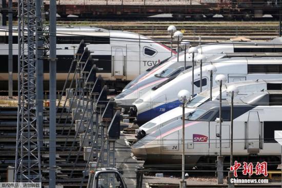 """法国海关罢工要求涨工资多趟""""欧洲之星""""列车延误"""