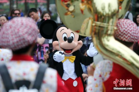 美加州迪士尼乐园拟7月17日重开 游客需遵守防疫限制