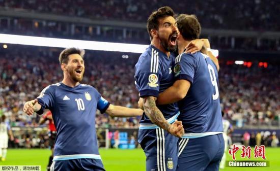 资料图:2016年美洲杯半决赛,阿根廷4比0轻取东道主美国闯入决赛,拉维奇有一球入账。