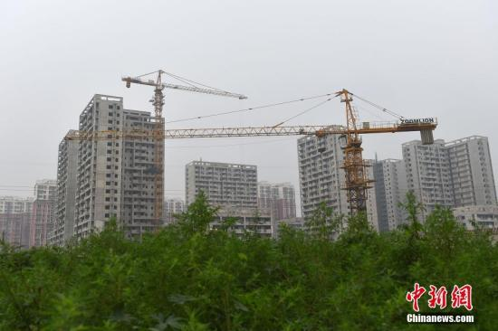 图为北京郭公庄一期正在建设中的公租房项目。 <a target='_blank' href='http://www.chinanews.com/' >中新网</a>记者 金硕 摄