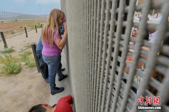 美国安部吁国会扩大授权解决边境非法移民激增问题