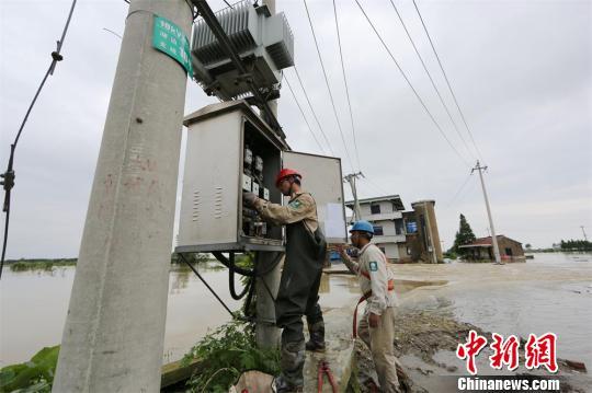 工信部:做好电信设施安全保护清理管线私穿乱接