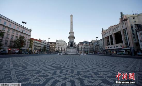 资料图片:世界杯期间,葡萄牙首都里斯本的街道空无一人。