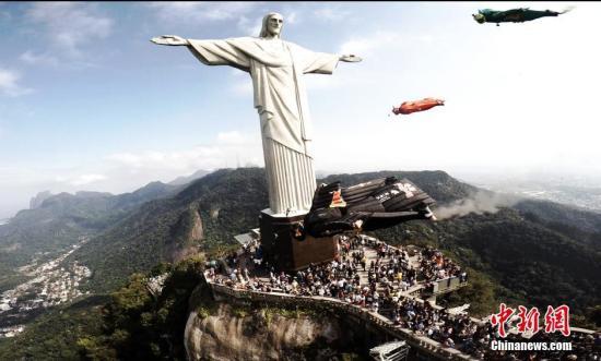 资料图:基督像。中新社记者 钟欣 摄