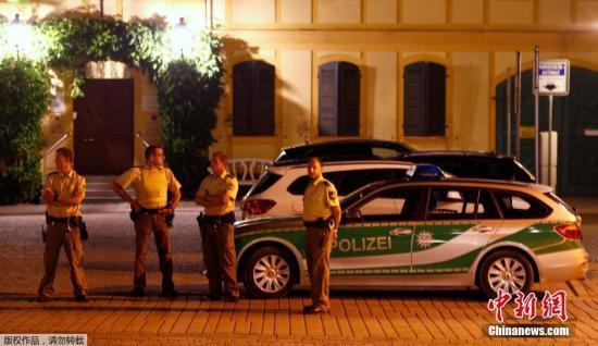 事发现场的德国警察。