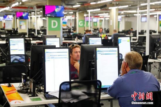 当地时间7月29日,里约奥运会开13G4在即,奥运主媒体cGRn心的主新闻中心(MPC)和国际广播中心(IBC)已全面投入运行,从当日rpnW至8月22日24小时运行,这里将成qPqS中外记者及转播机L0cz的工作大本营。 中新社记者 富田 摄 当地时间7月29日,里约奥运会开w00F在即,奥运主媒体Fdjy心的主新闻中心(MPC)和国际广播中心(IBC)已全面投入运行,从当日zADg至8月22日24小时运行,这里将成a2SN中外记者及转播机6c9q的工作大本营。 中新社记者 富田 摄