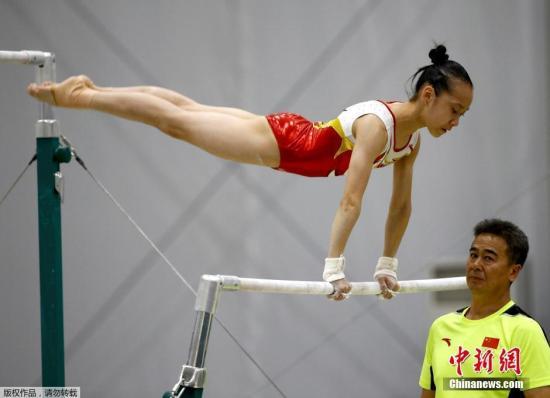 当地时间8月2日,中国女子体操队在里约进行赛前训练。