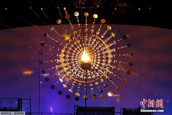 当地时间8月5日晚8时,2016里约奥运会开幕式在里约热内卢马拉卡纳体育场举行,利马点燃奥运圣火。