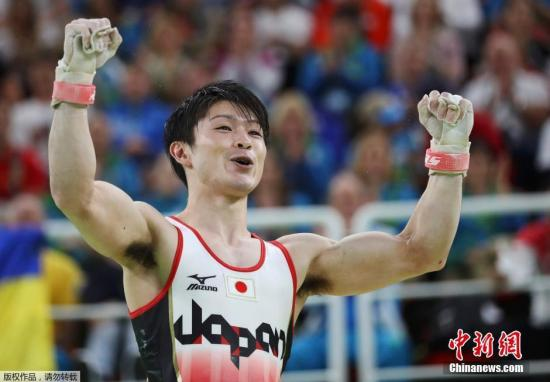 日本名将内村航平确诊新冠肺炎。(资料图:里约奥运会,内村航平蝉联奥运金牌。)
