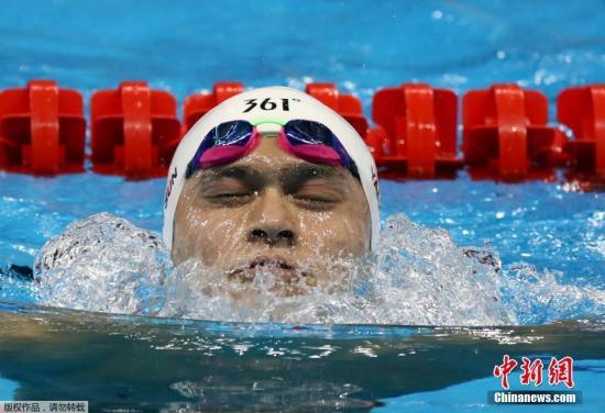图为孙杨在竞赛中。
