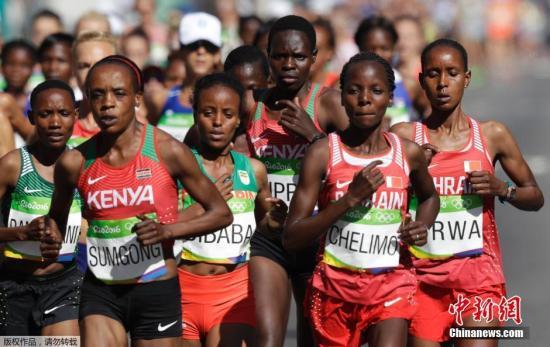 资料图:当地时间8月14日,里约奥运会女子马拉松比赛中。