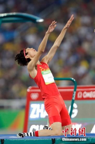 8月14日,里约奥运会男子跳高资格赛,中国选手张国伟出战。<a target='_blank' href='http://www.chinanews.com/' >中新网</a>记者 盛佳鹏 摄