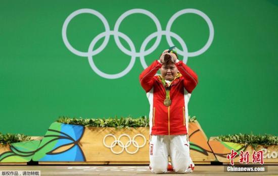 当地时间8月14日,2016里约奥运会女子举重75公斤以上级决赛,中国选手孟苏平以抓举成绩130公斤,挺举成绩177公斤,总成绩307公斤获得金牌。
