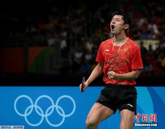 资料图:2016里约奥运乒乓球男子团体半决赛,中国队3-0战胜韩国队。图为张继科在比赛中。