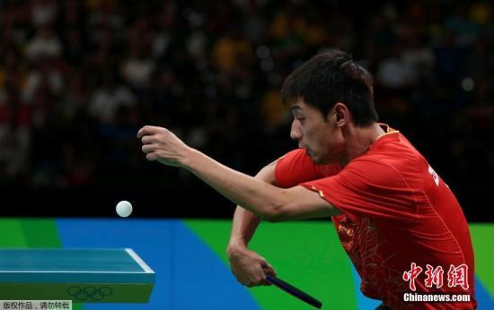 资料图:里约奥运乒乓球男团半决赛,张继科在比赛中。