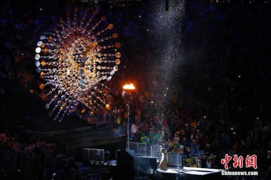 当地时间8月21日,2016里约奥运会闭幕式在马拉卡纳体育场内举行。记者 富田 摄