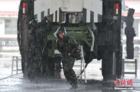 台媒称火箭军机动性不强且易受攻击 国防部回应