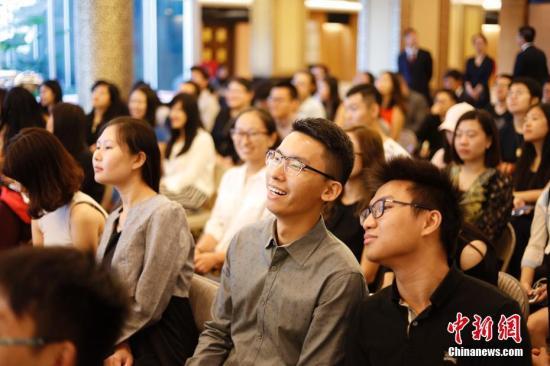 资料图:中国驻纽约总领馆举办以安全教育为主题新生见面会。 记者 廖攀 摄