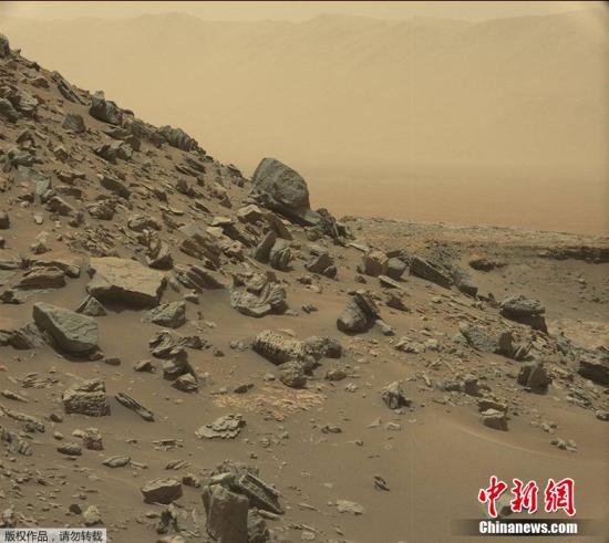 据外媒报道,近日,乐虎国际娱乐登陆平台国家航空航天局(NASA)发布火星最新影像,地貌酷似乐虎国际娱乐登陆平台西南部沙漠,与地球景色如出一辙。