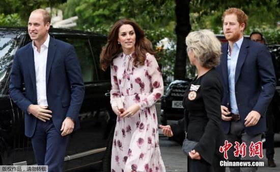当地时间2016年10月10日,英国伦敦,威廉王子夫妇和哈里王子出席世界精神卫生日纪念活动。