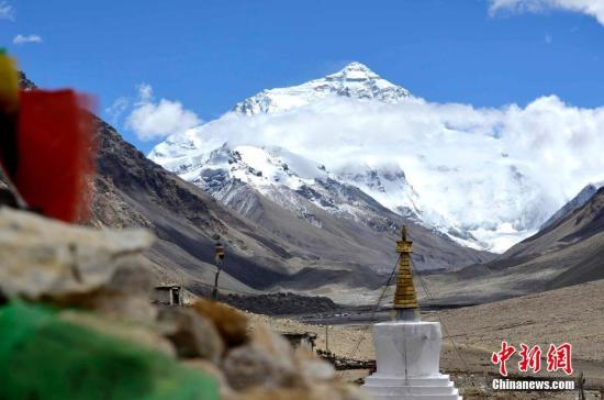 西藏官方:珠峰未关闭 追求卓越但也要崇尚自然